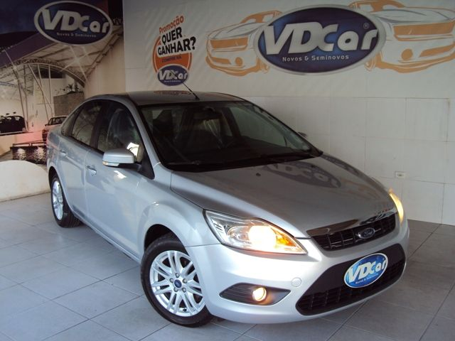 FORD FOCUS SEDAN  2013 1.6
