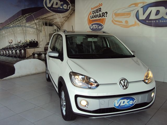 VOLKSWAGEN CROSS UP 2015 1.0
